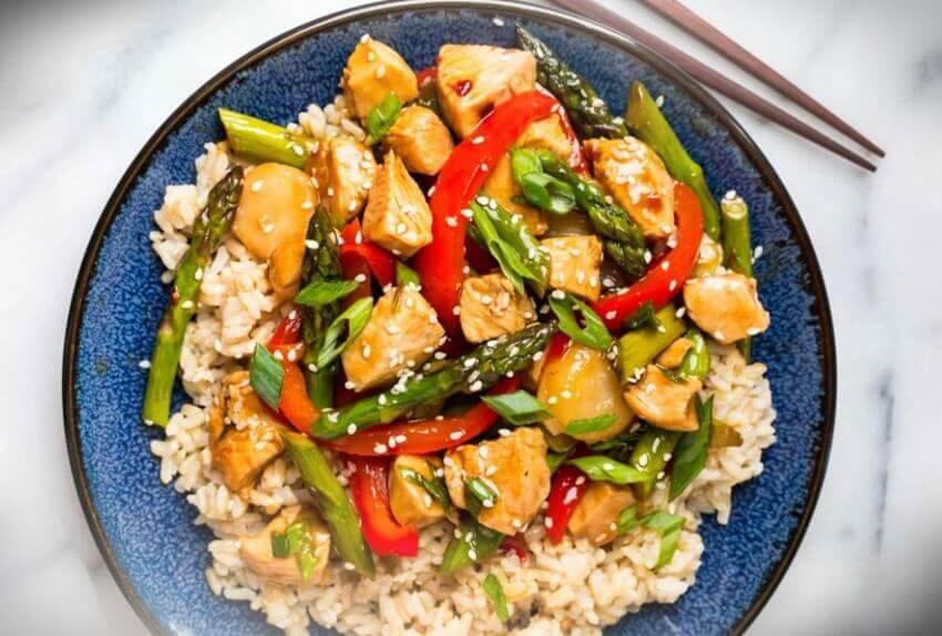 receta-de-arroz-salteado-con-pollo